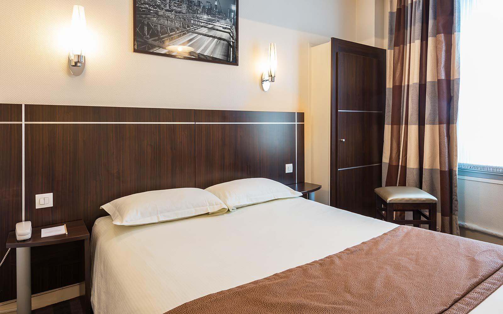 Chambres prix r duits paris centre hotel vivienne op ra - Hotel paris chambre 5 personnes ...