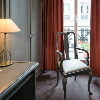 Comfort rooms are bright Hotel Vivienne Opera Paris