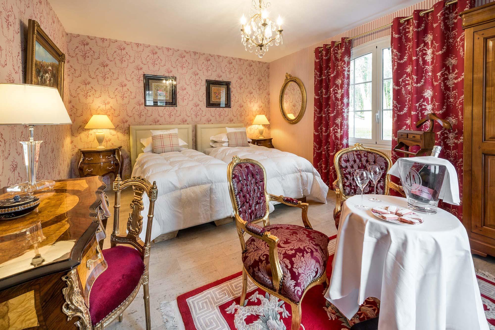 Chambres d 39 h tes et spa sur meaux en seine et marne 77 - Chambre d hote couleur bois et spa ...