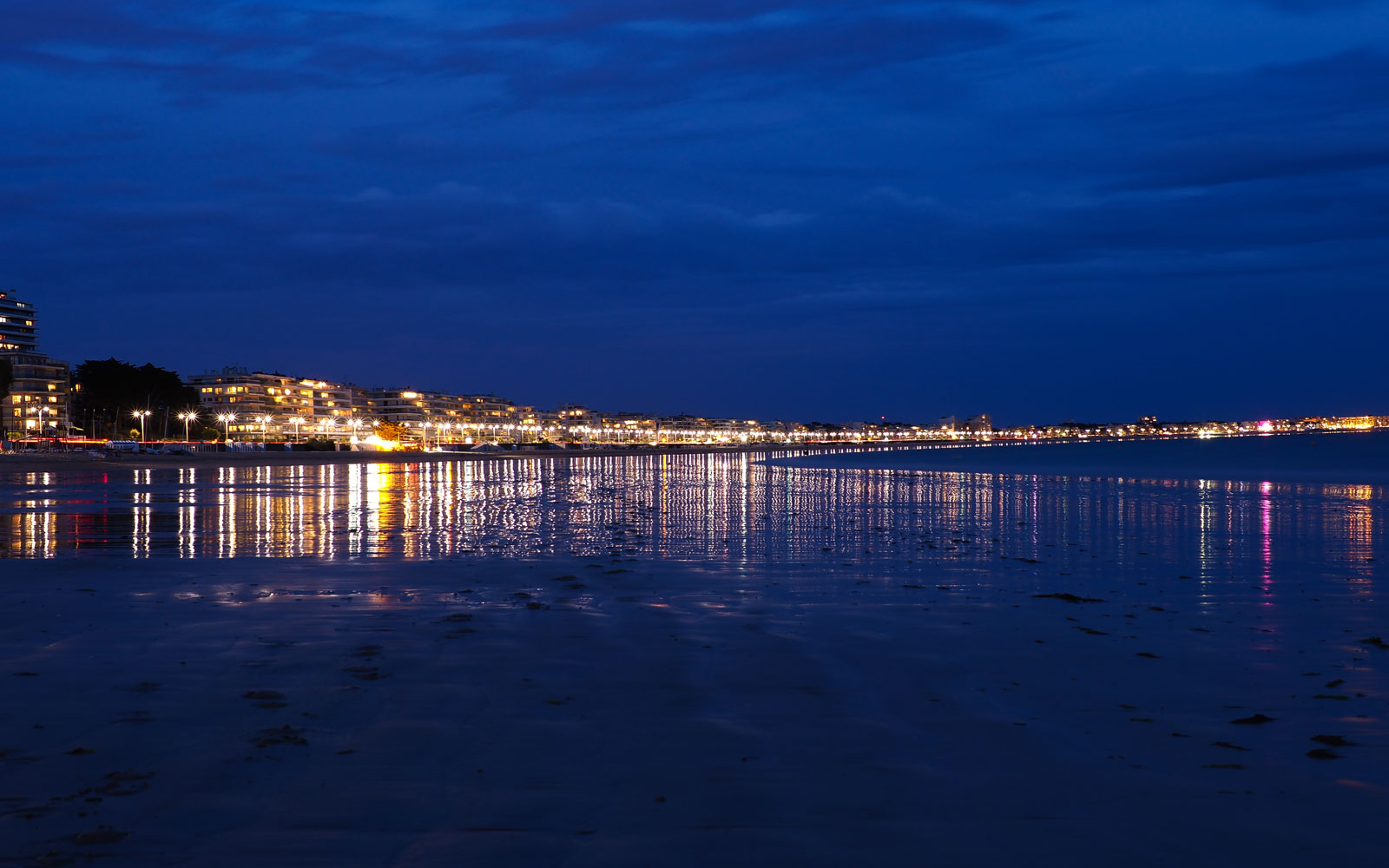 La Baule by night
